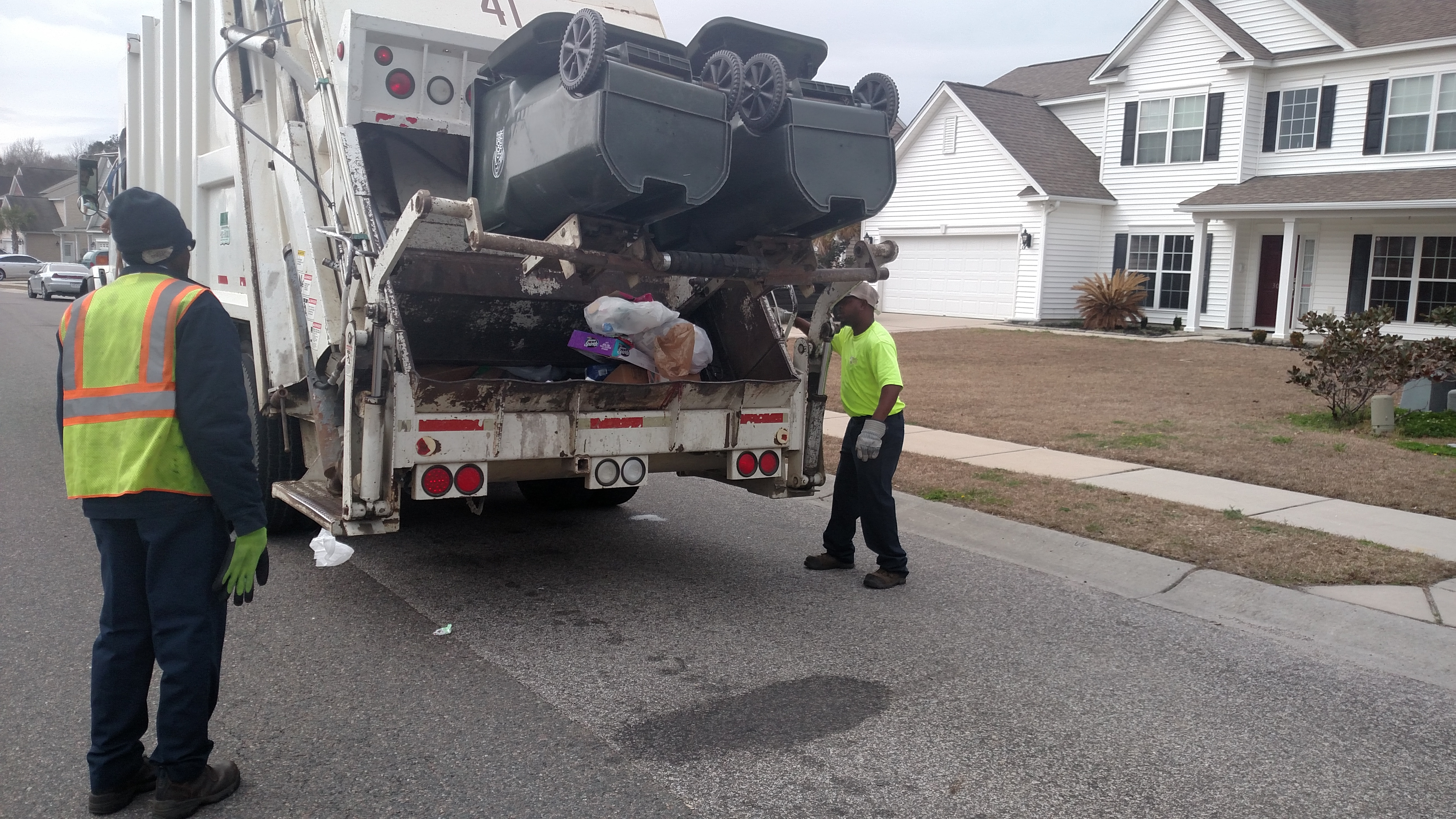 Rear Loader Garbage Truck